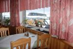 Snídaně v hotelu - výhled na konečnou stanici lanovky