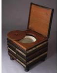Domácí přenosný záchod z 17.-18.století